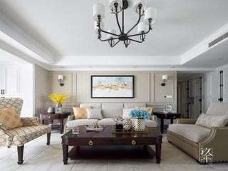 以白色和灰色为主色,大量「金属色」与「细线条」软装打造轻盈美式家